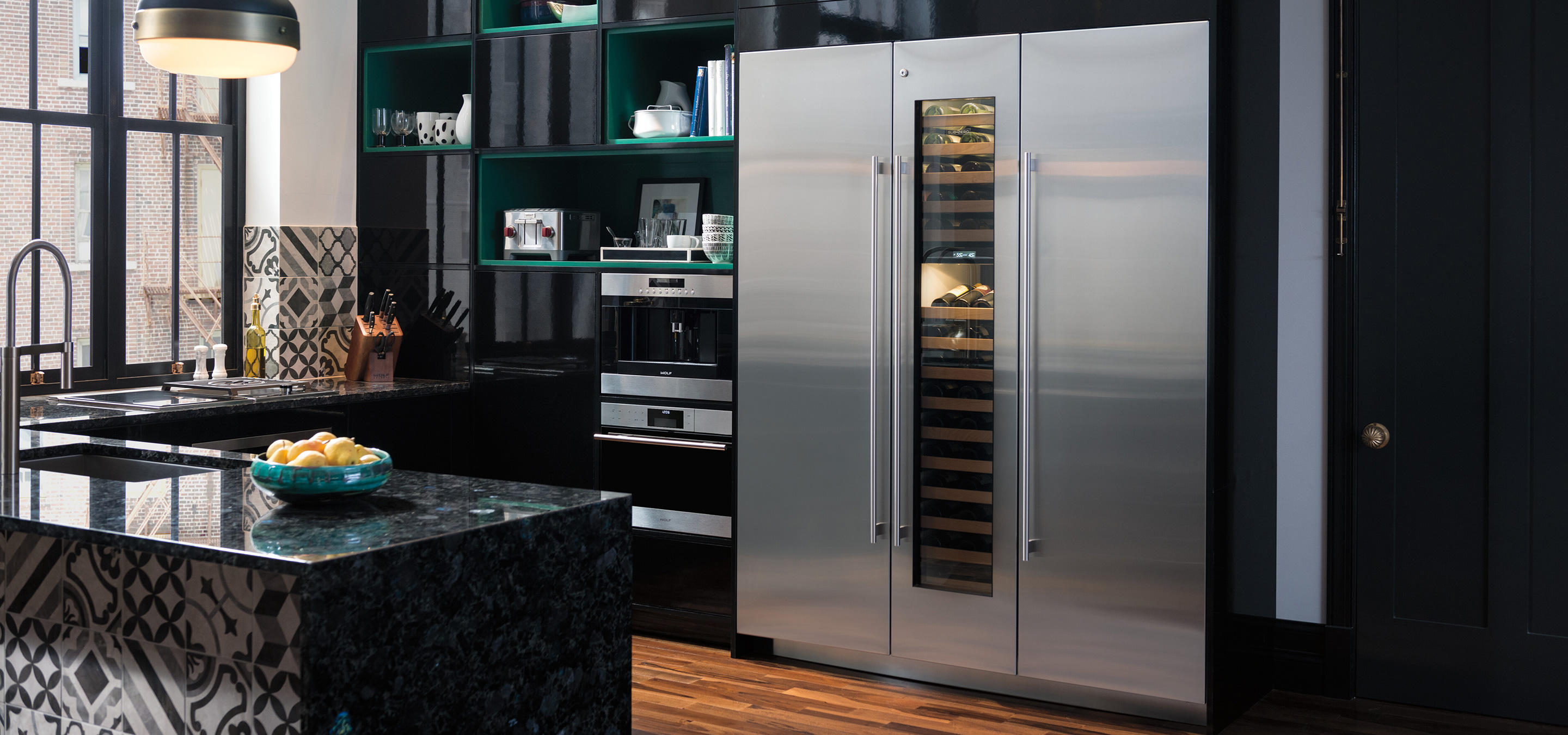 Sub-Zero Built-in fridge, freezer and wine rack